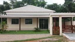 Linda casa em condomínio - 1ª locação