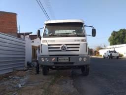 Caminhão 13.180 ano 2009/2010 com Muck 10.000kg