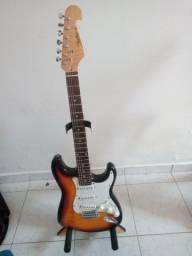 Guitarra em perfeito estado