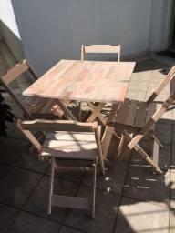 Mesa com 2 ou com 4 cadeiras Dobrável sem pintura, Tampo em madeira