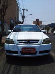 Astra 2.0 ano 2003 branco 13500,00