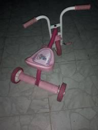 Triciclo para menina