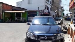 Carro Logan Renault