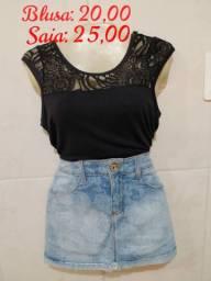 Blusa preta com renda + saia jeans