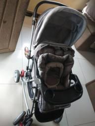 Carrinho de bebê e bebê conforto e canguruzinho