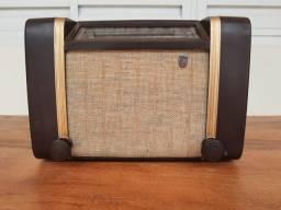 Rádio Philips antigo valvulado