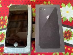 Vende-se caixa mais frontal iPhone 8  por 150 tudo !