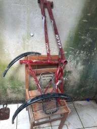 Quadro, garfo, paralamas e bagageiro bicicleta Caloi