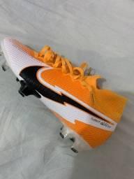 Chuteira Nike Superfly 7 Elite SE FG Tamanho: 38