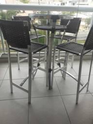 Mesa de alumínio com 4 banquetas