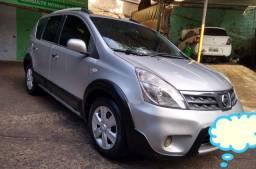 Nissan Livina 1.8 automático Xgear 2013