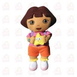 Dora aventureira em pelúcia com a estrela na mão 30 cm