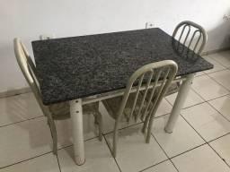Mesa + 3 cadeiras (ENTREGO)