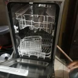 Máquina lava louças Electrolux