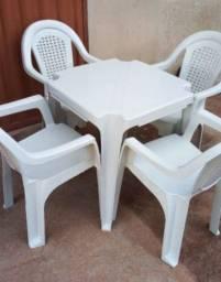 Promoção Até Acabar o Estoque Jogo de Mesa com 4 Cadeiras Novas