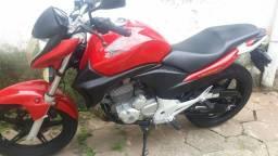 CB 300 2012 - moto de garagem