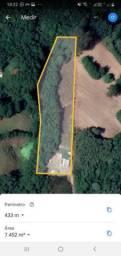 Pequena chácara malhada com 7.300 m2