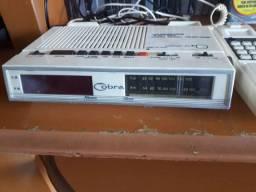 Telefone rádio relogio 3x1