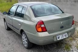 Clio Sedan 2002