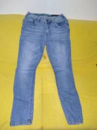 Calça jeans reta clara estonada M.Officer tamanho 38, usada