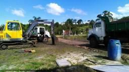 Vendo maquina escavadeira com caminhão