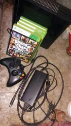 Xbox 360 2016 (USADO) 4 jogos e 1 manete sem fio