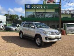 Toyota Hilux Sw4 7 lugares - 2013