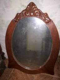 Vendo Espelho com moldura de madeira