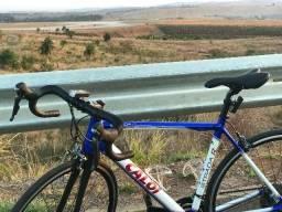 Caloi Strada Racing (Grupo Shimano Tiagra + GPS)