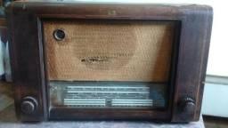 Radio de Madeira Retrô