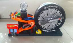 Garagem Hot Wheels Big Pneu Radical Looping  Carrinho Fnb15<br><br>