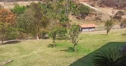 Chácara Belíssima Com Paisagem Magnífica e Nascente no Alto da Montanha em Belo Vale