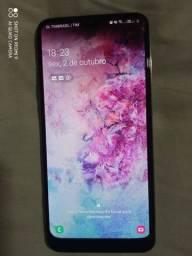 Smartphone Samsung Galaxy A50 muito conservador