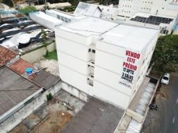 Prédio comercial com 12 apartamentos e 3 salas - Caldas Novas - GO