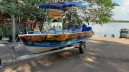 Vende-se canoa com motor 40 a mais linda da cidade