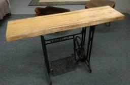Aparador Rústico em Máquina de costura antiga