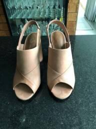 Sapato de salto copacabana 37