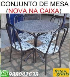 Ta Barato Mesmo!!Conjunto e Mesa 4 cadeiras Com Tampo Redondo Nova Apenas 399,00