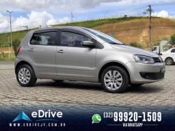 VolksWagen Fox 1.0 Mi Total Flex 8V 5p - Carro Muito Novo - Sem Detalhes - Troco - 2013