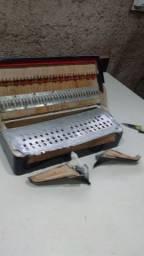 Oficina de acordeon e compras
