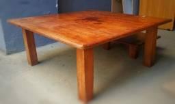 Vendo mesa japonesa com dois baquinhos