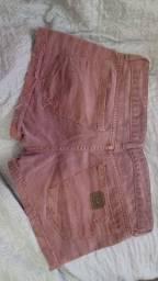 Dois shorts 42