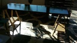 Uma mesa com base de Cavaletes com entrega grátis