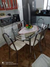 Mesa de vidro e Inox 6 cadeiras. Super conservada.