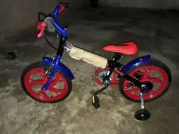 Bicicleta infantil do homem aranha novinha