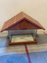 Aquário de vidro 3L com acabamento de madeira