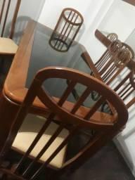 Vendo Mesa com 8 Cadeiras