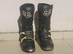 Dois pares de bota Fox