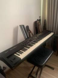 Piano Roland RD-700NX - Oportunidade Única