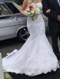 Vestido de noiva usado apenas 2 vezes